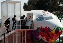 Un avión biblioteca para que despegue la lectura en México