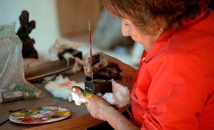 La milenaria técnica de la laca que vive en manos de mujeres chiapanecas