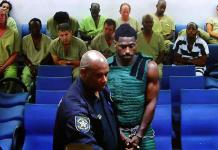 Antonio Brown paga fianza y sale de cárcel de Florida