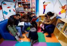 Avión biblioteca para que despegue la lectura en México