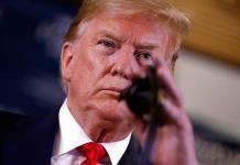 Trump se burla de la estatura de Bloomberg y éste le llama payaso de carnaval