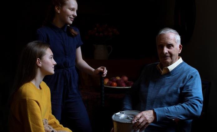 La duquesa de Cambridge retrata a sobrevivientes del Holocausto