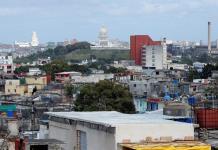 Un año después del gran tornado, La Habana levanta cabeza