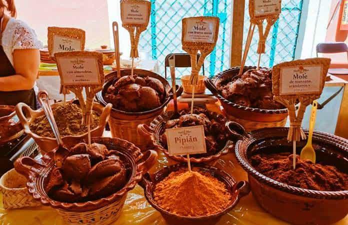 Distintos tipos de moles también se expondrán en la Feria del Tamal (DGCPIU),