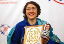 Regresa a tierra Christina Koch, la mujer con tiempo récord en el espacio