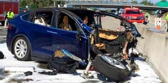 Conductor que murió al chocar en un Tesla estaba jugando, afirma agencia de seguridad