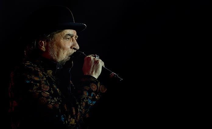 Una caída de Sabina obliga a cancelar su concierto con Serrat en Madrid