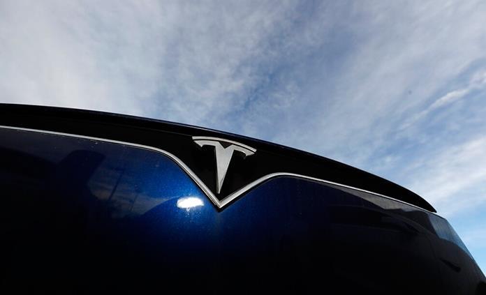 Alerta Profeco por riesgos en vehículos Tesla