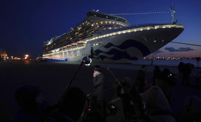 Hay gente que sufre claustrofobia o estrés, relata una de las mexicanas a bordo de crucero en cuarentena