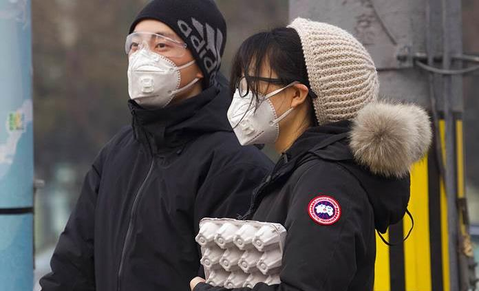 Repuntan casos de coronavirus en China tras nuevo conteo