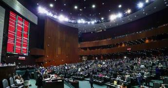 Presentan reforma para que Congresos locales no intervengan en desafuero de gobernadores