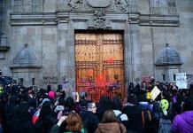Los ataques a la puerta mariana de Palacio Nacional