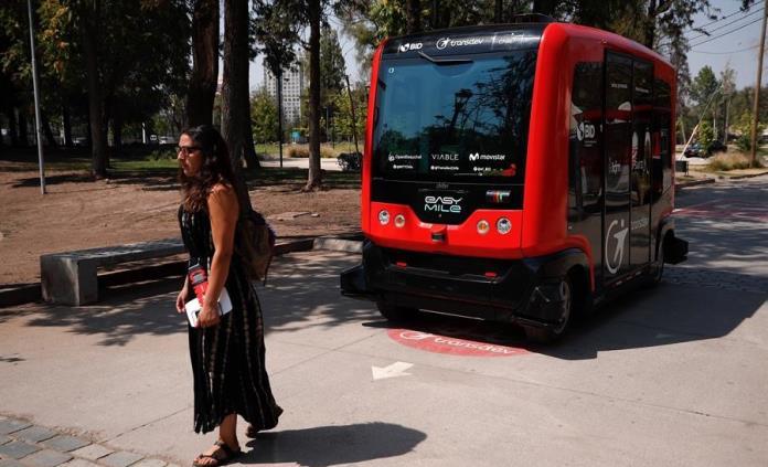 Primer vehículo sin conductor en América Latina, la nueva atracción en Chile