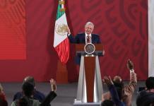 AMLO felicita a mexicanos por el Día del Amor y la Amistad