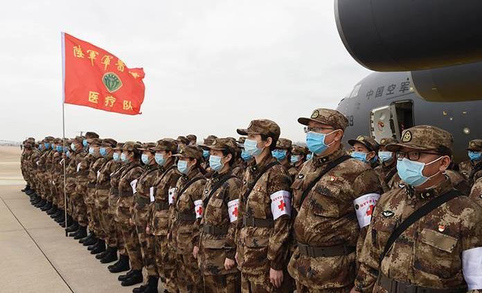 Reportan casi mil 400 decesos por coronavirus en China