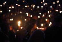 Parkland recuerda a sus víctimas y reclama de nuevo fin a la violencia armada