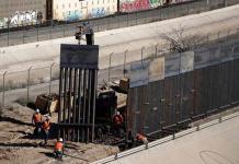 Secretario de Defensa justifica desvío de fondos para muro EEUU-México