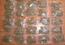 Detienen a un sujeto en posesión de 30 bolsas con marihuana en San Ángel