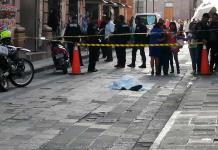 La muerte sorprende a hombre en la calle