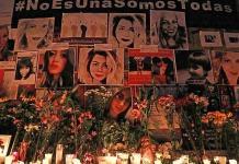 Instalan ofrenda para víctimas de feminicidio en el Ángel