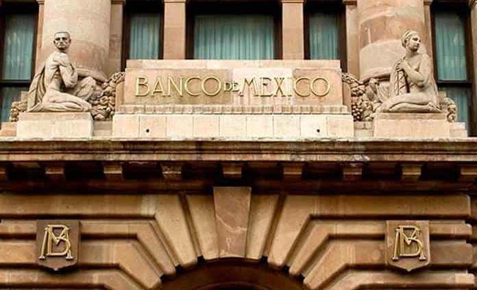 ¿Qué opina Banxico sobre la reforma eléctrica y el outsourcing?