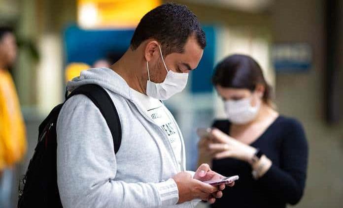 Covid-19: ¿Qué alcance tiene la saliva cuando se tose y cuando se estornuda?