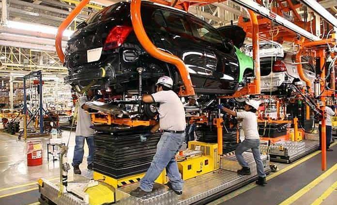 Industria automotriz incumplirá con T-MEC si inicia en junio, alertan