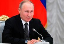Putin aplaza el plebiscito para frenar rápida propagación del coronavirus