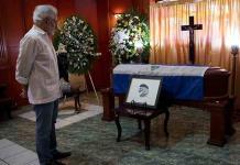 Para los nicaragüenses Ernesto Cardenal no murió, se integró al universo