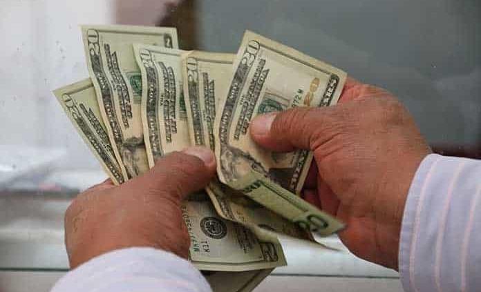 Peso registra ganancia, al debilitarse el dólar por cifras de desempleo en EUA
