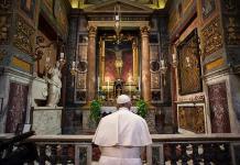 Un residente de la casa del Papa da positivo en coronavirus