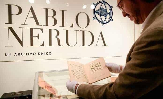 Aplazan subasta de documentos de Neruda