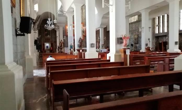 Iglesias lucen solas; abren para oración