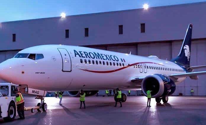 Pilotos de Aeroméxico reducen 50% su salario