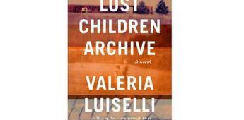 La escritora mexicana Valeria Luiselli gana Premio Folio de literatura
