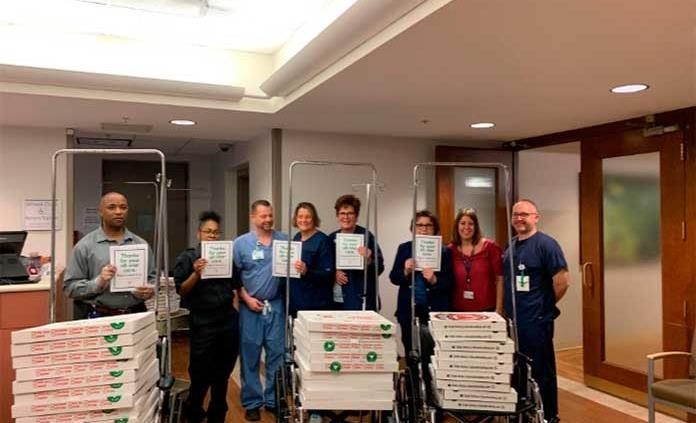 Jugadores de los Piratas de Pittsburgh compran más de 400 pizzas para trabajadores hospital