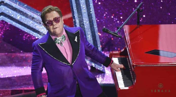 Elton John, la leyenda viva'>