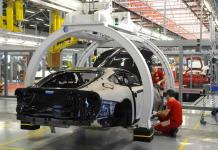 Italia cierra la mayoría de sus fábricas para detener el virus