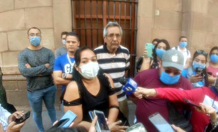 Locatarios de la Plaza de la Tecnología protestan en Palacio de Gobierno