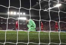Liverpool pone de licencia a sus empleados