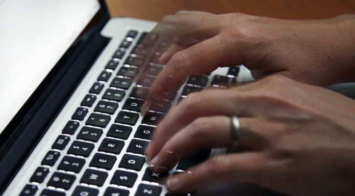 Consejos clave para hacer home office de manera segura'>
