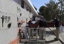 A más 4 mil personas que murieron en centros para adultos mayores no les hicieron pruebas de coronavirus, admite Madrid