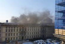 Arde una réplica de un palacio prusiano en Berlín