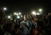 El grito pacífico de jóvenes en Sudán gana el World Press Photo