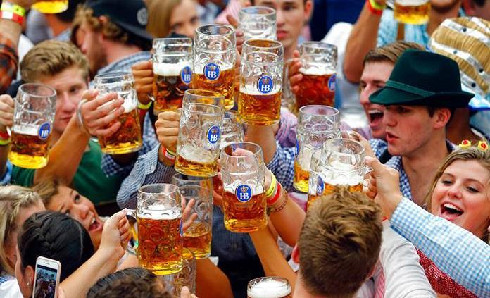Múnich suspende el Oktoberfest por el coronavirus