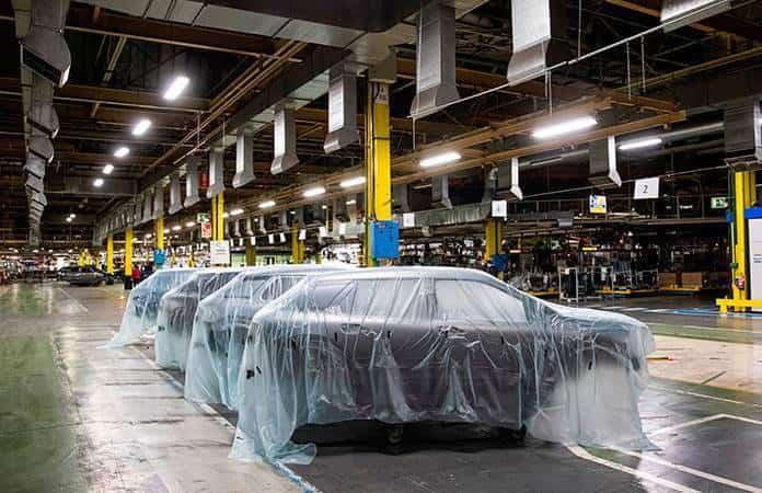 Los vehículos deberán ser sanitizados a su salida de producción.