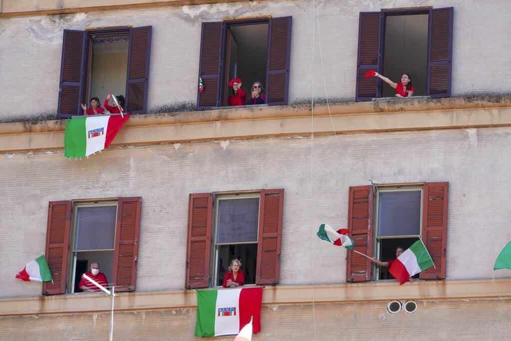 Italia celebra confinada su Día de la Liberación