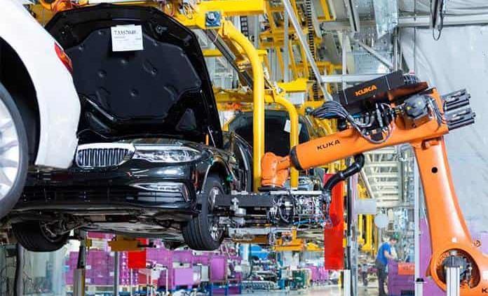 Varias plantas automotrices reabrirán en las próximas semanas