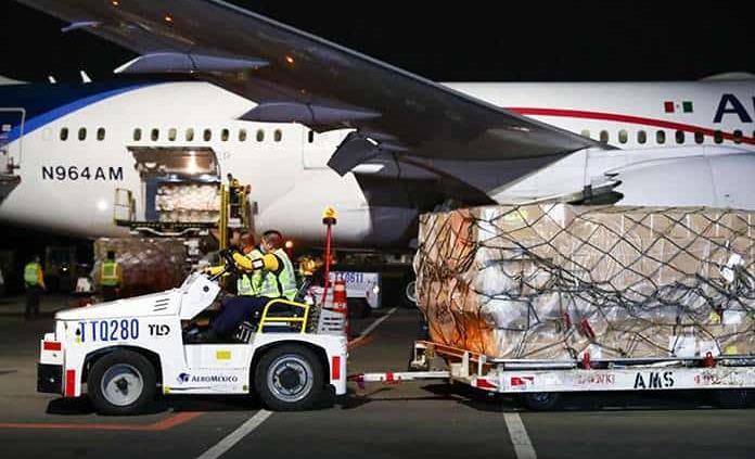 Llega a México vuelo número 12 con 80 ventiladores
