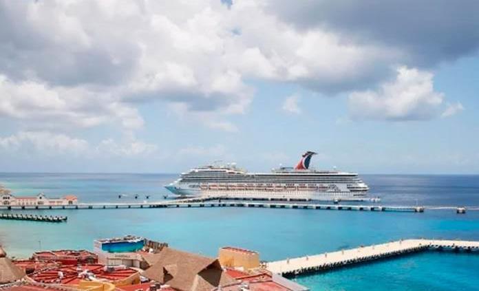 Llega a Cozumel crucero Carnival con 76 mexicanos repatriados